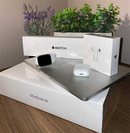 WIN: Apple Macbook, Apple Watch AND Airpods
